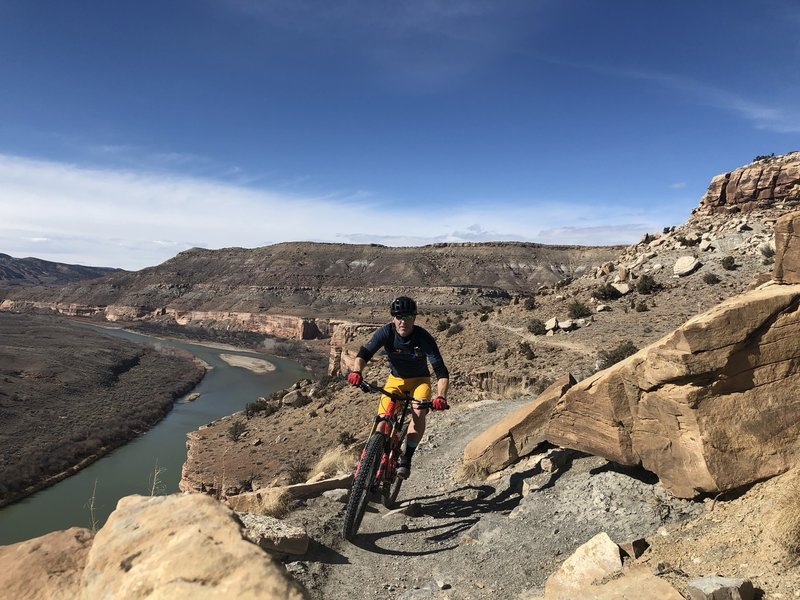 Heading south on the Kokopelli trail, with the Colorado River below...