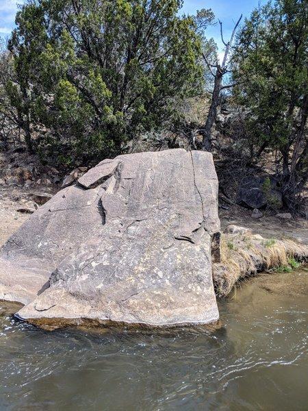 Petroglyph site next to the Rio Bonito River.