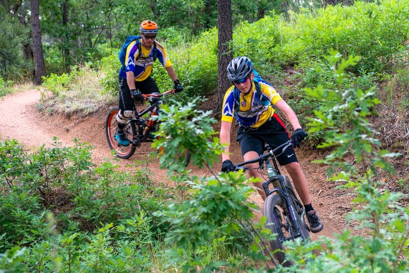 Front Rangers Juniors Cycling at riding up Chamberline Trail