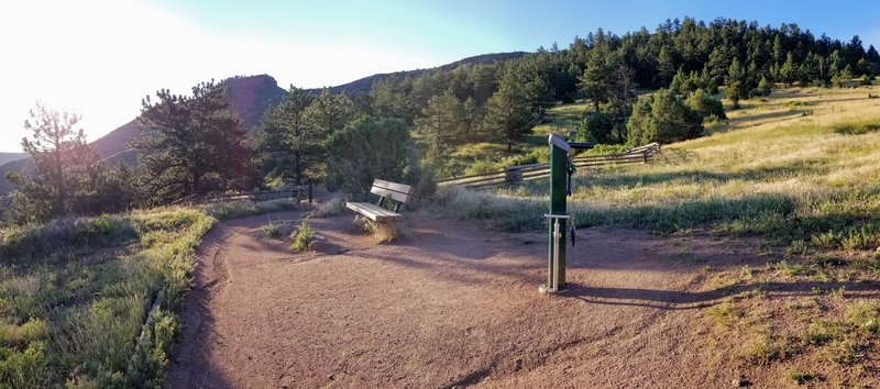 Bike pump, tools, and bench at the intersection of the Antelope and Upper Bitterbrush trails.