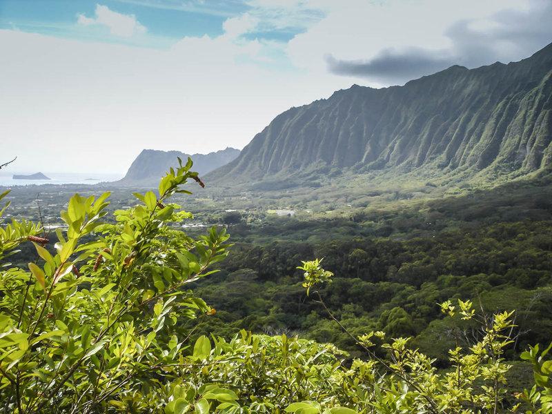 Eastern face of the Ko'olau Mountains