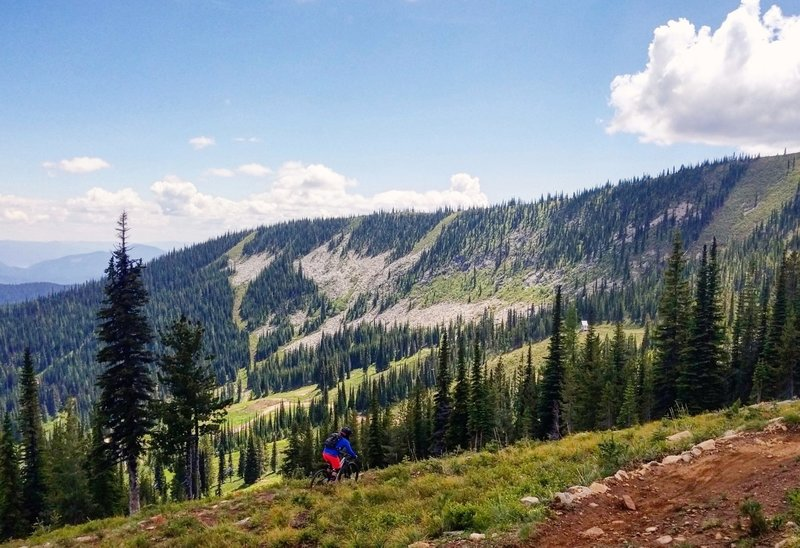 Traversing across the front side of Schweitzer Mountain.