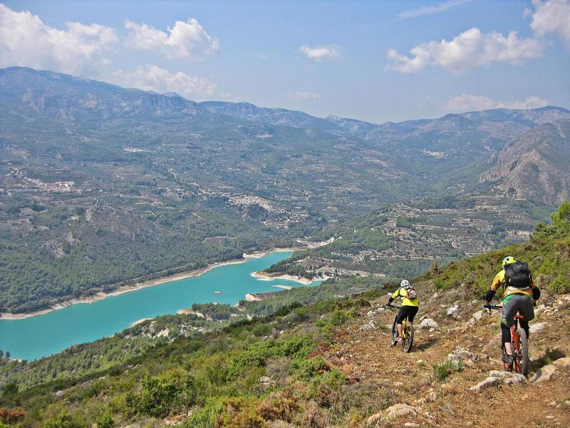 Singletrack to Guadalest reservoir
