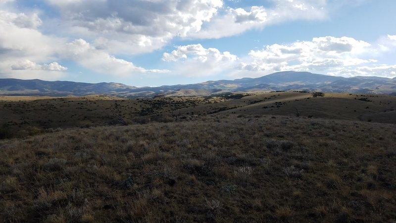 Nicomodes Ridge awaits you. Greenie in the background.
