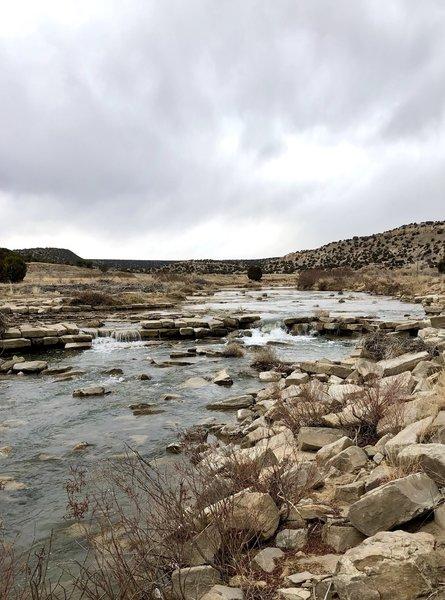 River where the dinosaur tracks are.