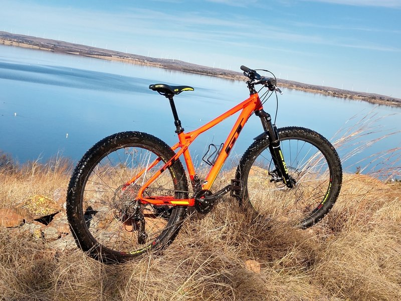 Relaxing ride and awesome views of Lake Lawtonka from the Blue Trail.