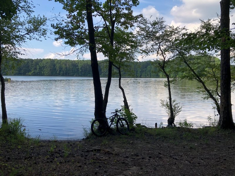 Great view of the lake during summer. Nice mid-ride break or picnic spot.