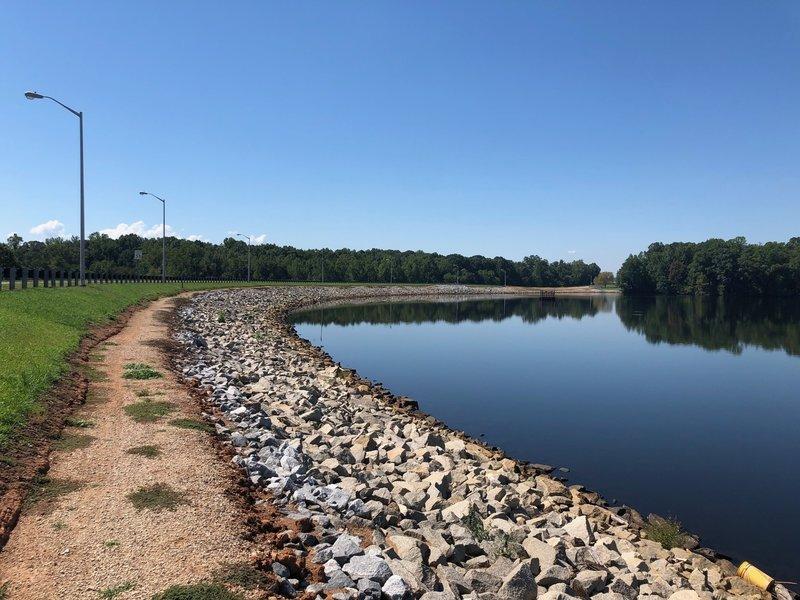 Trail where it runs on Lake Welchel dam