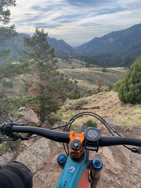One of the best view spot on the trail. If you're riding clockwise (which is way better) before you start descending the first singletrack there's a bench, but you can climb a bit more and get this view.