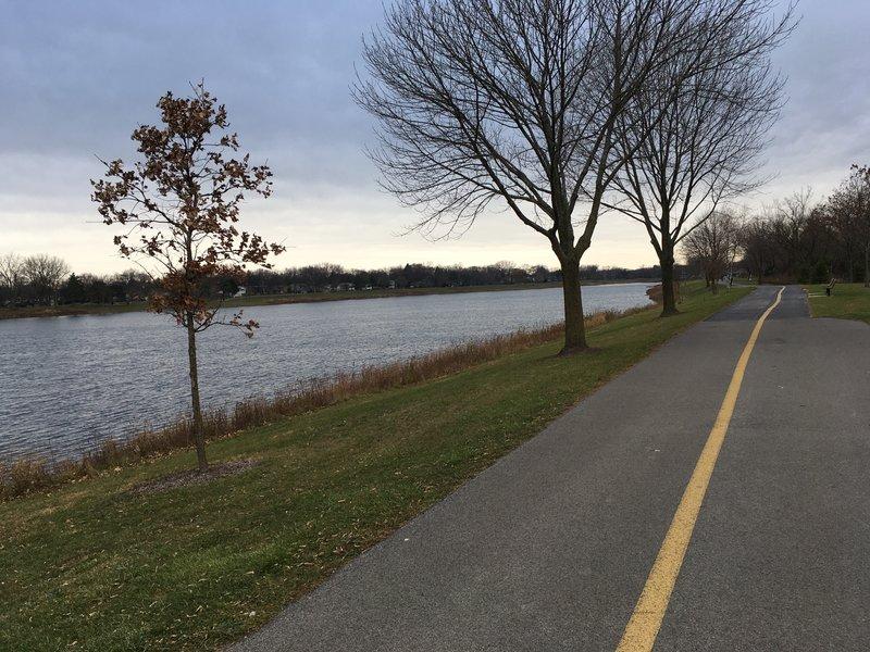 Path goes around the lake
