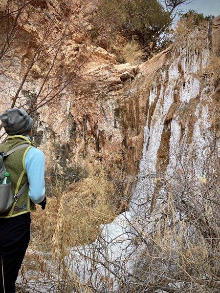 Dead-end box canyon detour