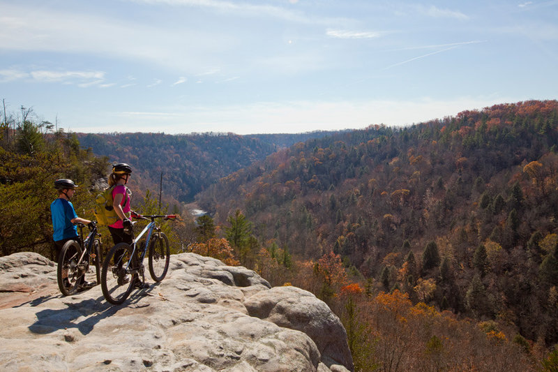 There are many opportunities to look out over the Big South Fork River