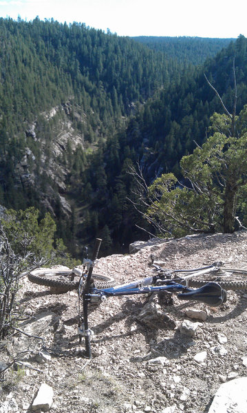 Rim-side riding at Walnut Canyon.