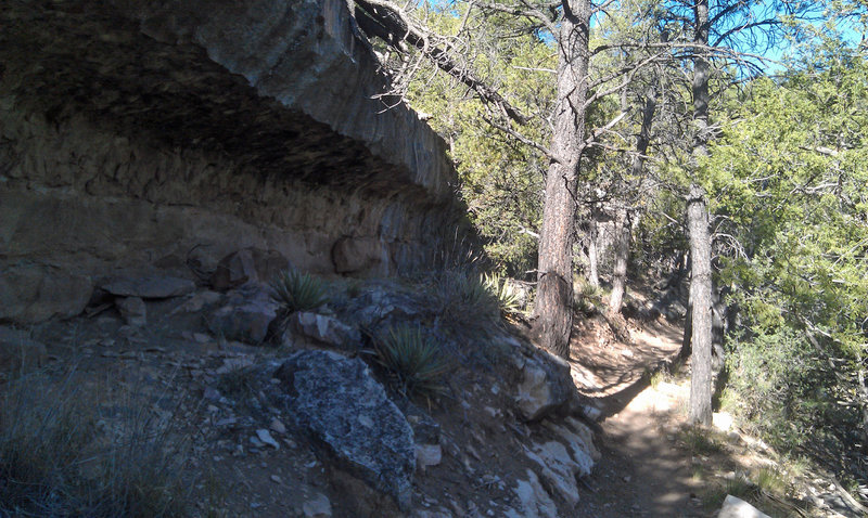 Cool terrain as you head into one of Walnut Canyon's tributaries.