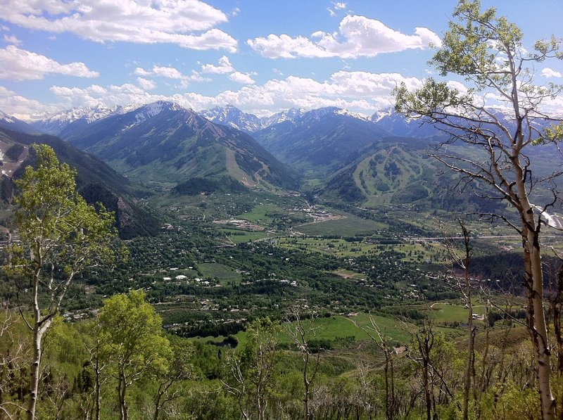 View from Red Mountain, traversing it's face on the Sunnyside trail.