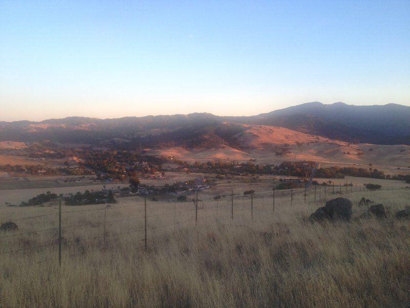 Stile Ranch trail looking south at dusk