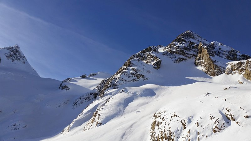 Mount Joffre on the right with Mount Matier on the left. Ascent route is via the glacier leading to the col.