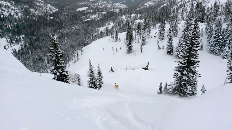 Skiing the top part of Otis Couloir