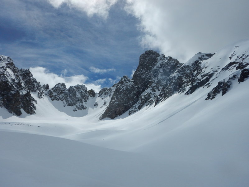 The basin of Nokhu Crags.