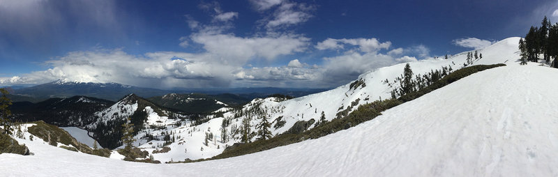 L (NE)->R(S) Mt. Shasta, Castle Lake, most of the approach to Castle Lake summit, Heart Lake cornices, N-S summit ridge.