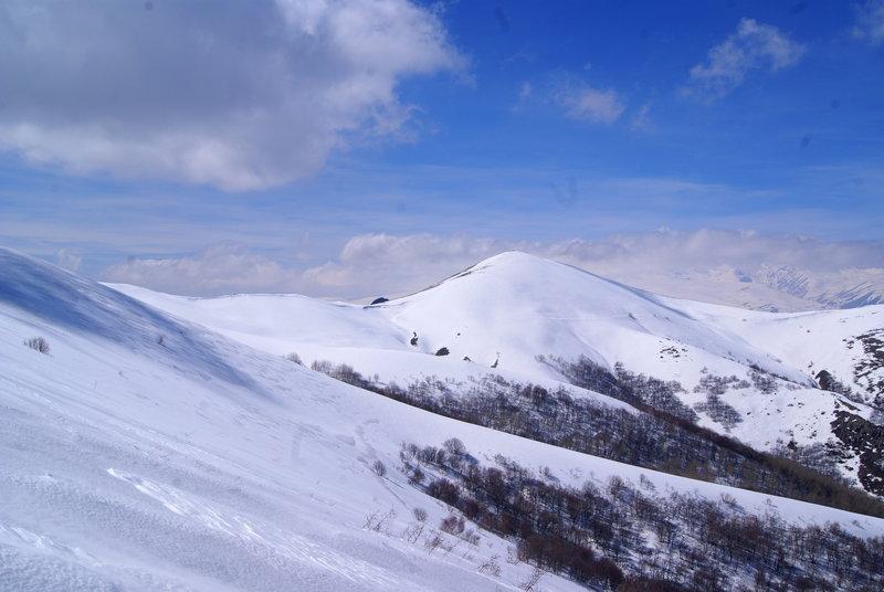 Looking across the ridgeline at Mt. Ara.