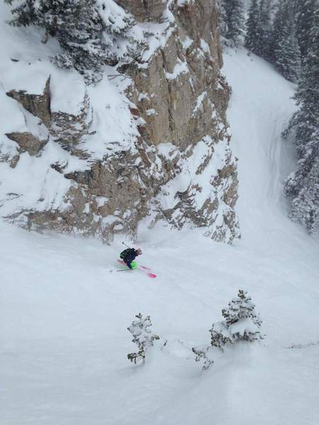 Andy Knouse glowing down Spacewalk Couloir | PC: Aryeh Copa