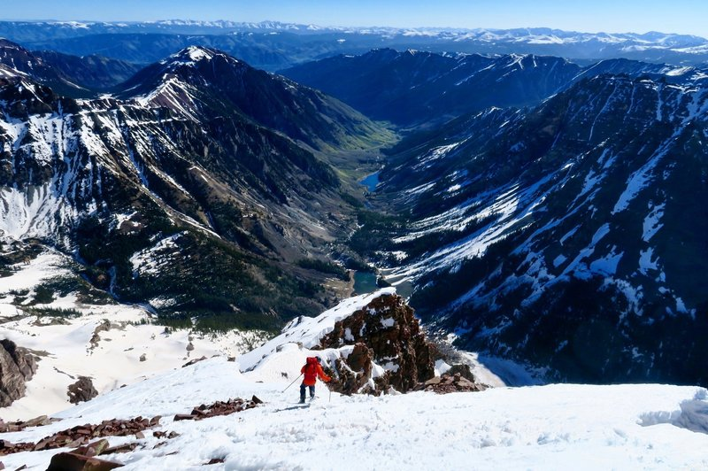 Skiing off the summit, towards one of the most beautiful valleys in the Rockies.
