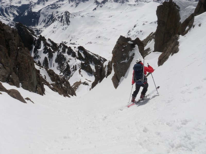 Skiing the chute above Lavender Col