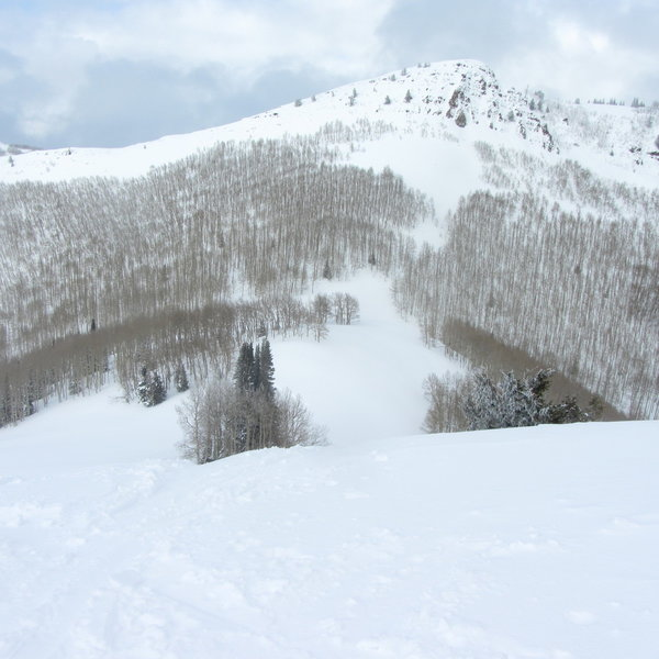 This was taken from the top of the cone looking north.  Runs drop from the peak seen on the ski-line into the Lake Desolation drainage, but they are steep and much more avalanche-prone than PP3.
