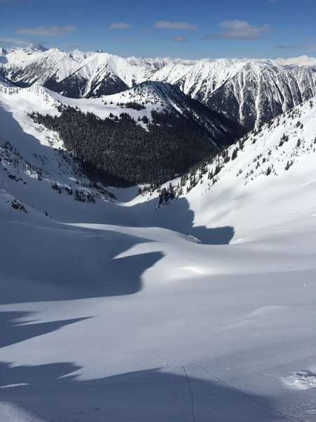 Looking down at the run from the saddle towards Darkside Lake