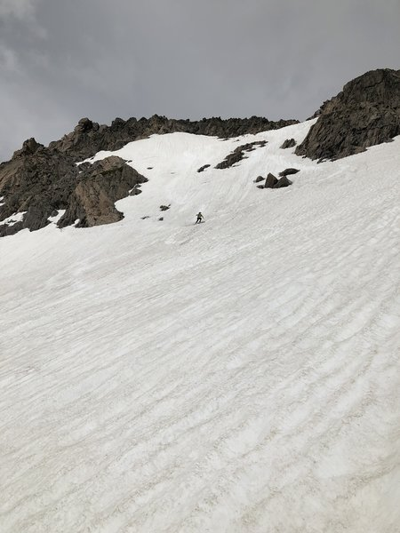 Hoagie skiing down middle - less steep option.