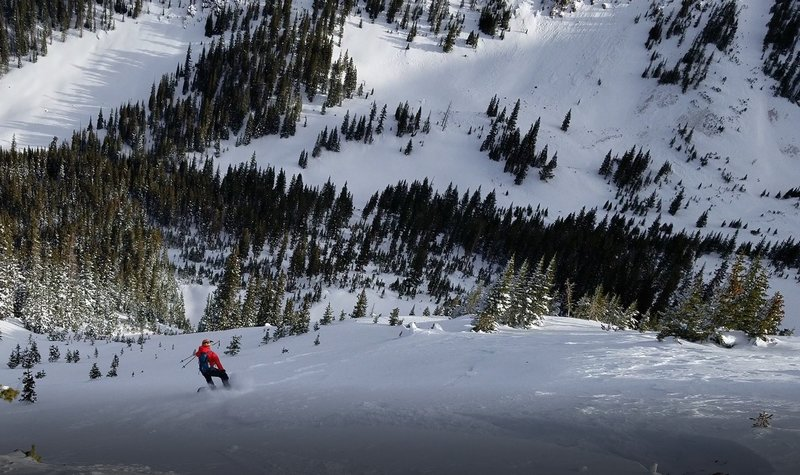 Carl Pluim dropping the initial steep section from the ridge.