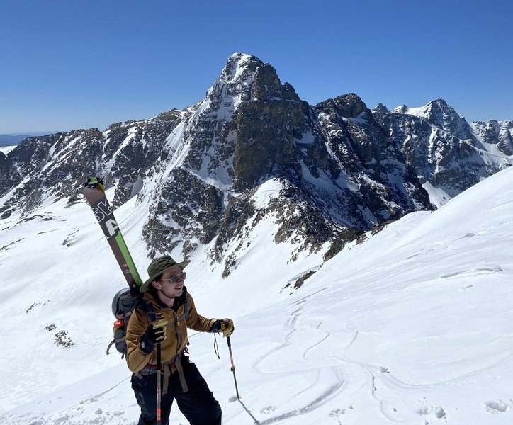 Whit topping out the bootpack with Mt. Toll in the back. Awesome view!